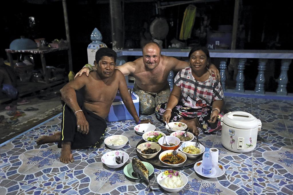 Сільська вечеря в Такуа Тхунг