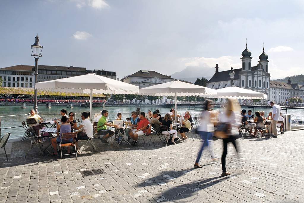 Luzern Sommer 2012, Rathausquai, Cafés an der Reuss