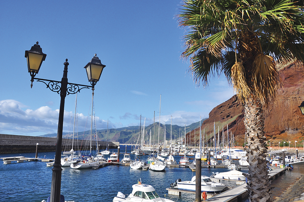 Марина Quinta do Lorde знаходиться на сході Мадейри, неподалік від мису Ponta de Sаo Lourenсo quintadolorde.pt