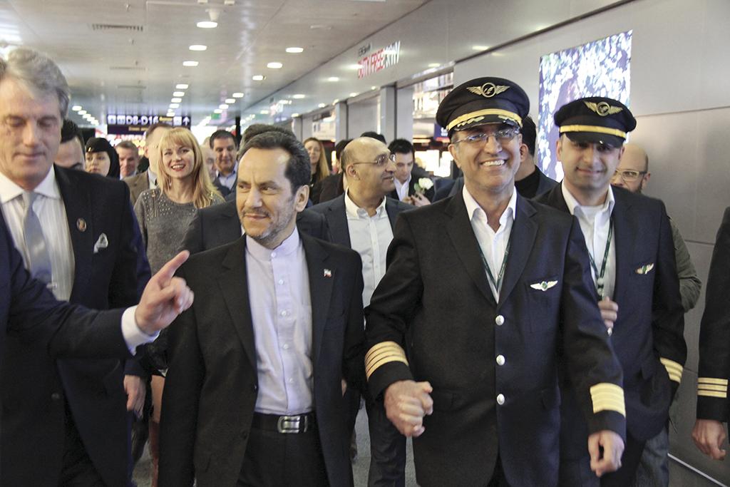 Відкриття першого рейсу авіакомпанії «Махан Ейр» до Києва