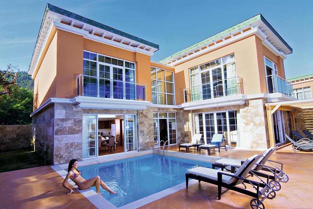 adv-grand-villa