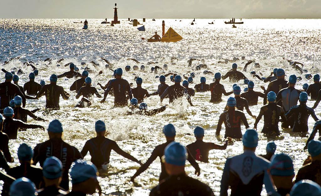 Масовий заплив під час проведення змагання Ironman у Гдині