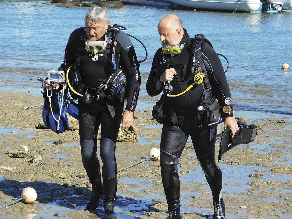 Європейці їдуть до Єгипту заради підводних прогулянок. Вони занурюються щодня
