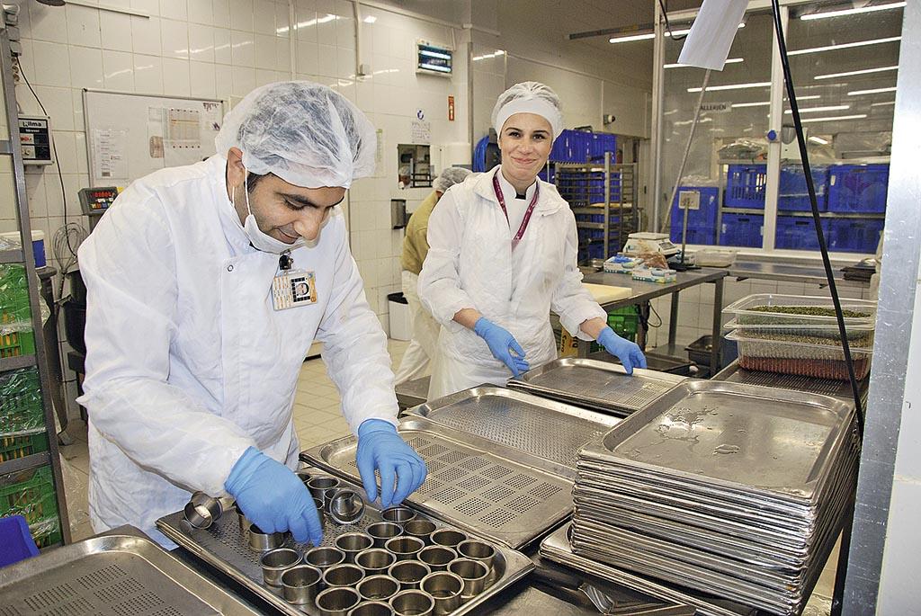 У кейтеринговій компанії DO@CO готують їжу для Turkish Airlines