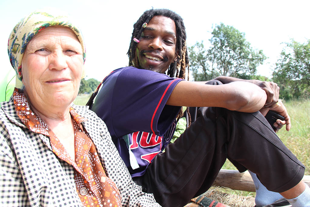 Баба Катерина (служба таксі) та Кінг Ква Зулу