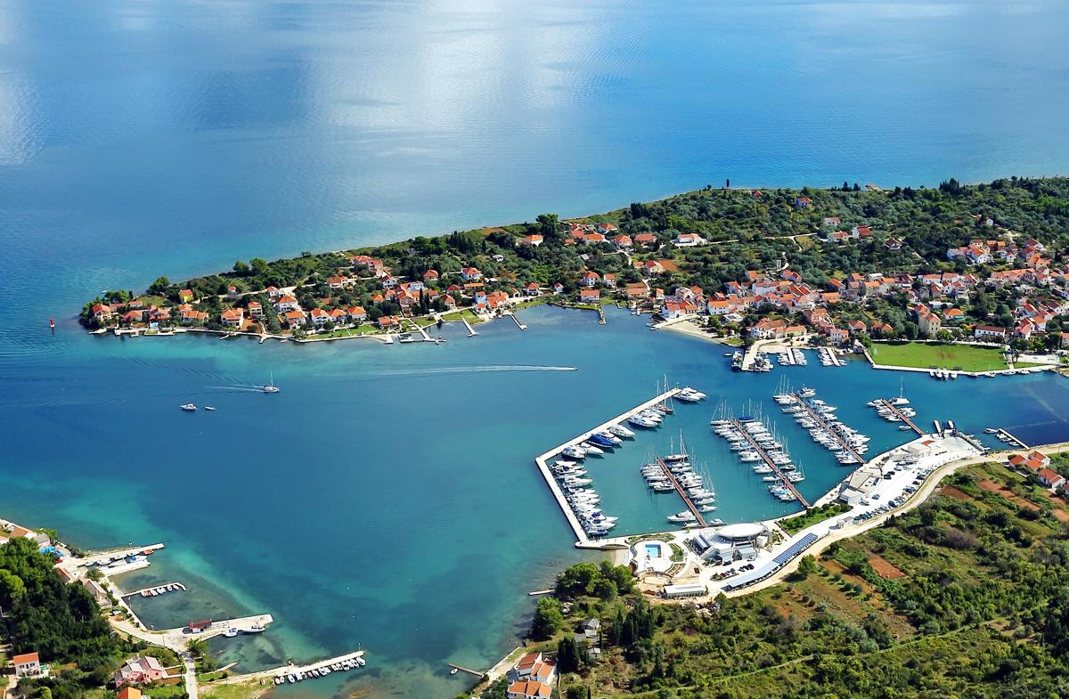 olive_island_marina_sutomiscica_mala