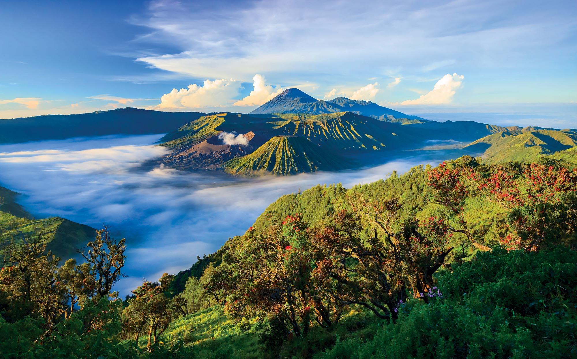 Вулкан Бромо на острові Ява – одне з десяти місць, які Індонезія хоче проcувати у світі