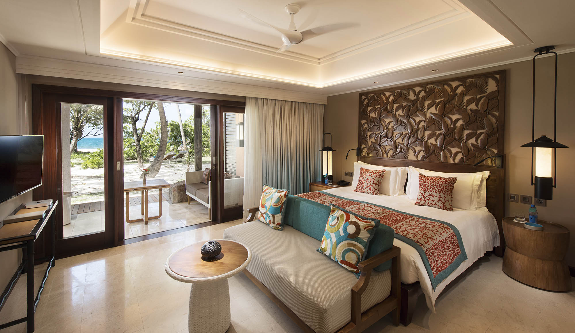 ! lemuria-seychelles-2016-AB-Senior-Suite-Bedroom-01